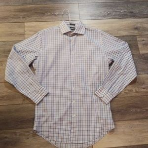 Neiman Marcus trim fit button up long slee…